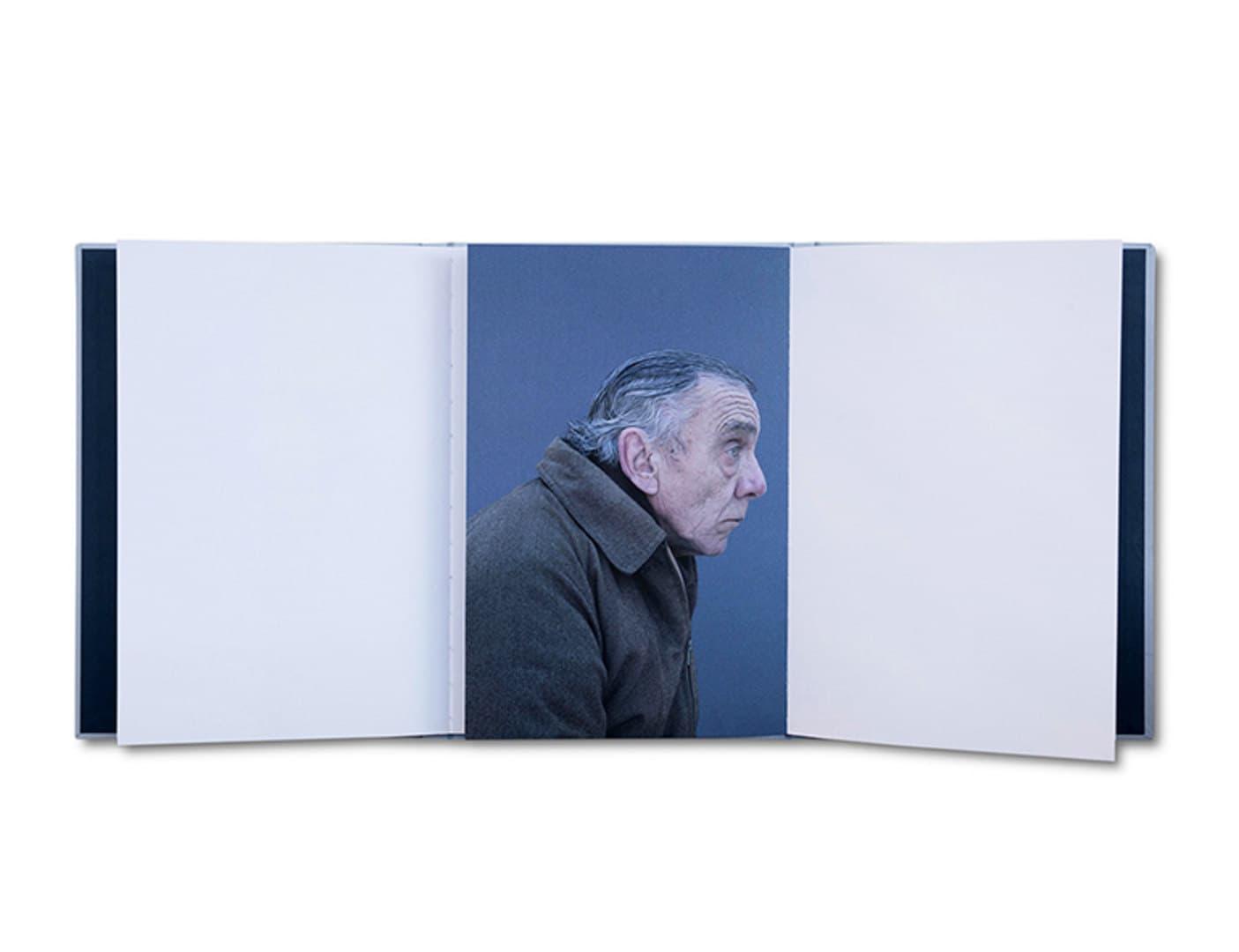 007-moises_book